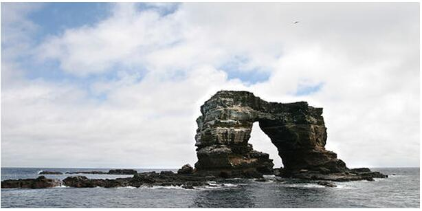 ATTRACTIONS OF THE GALAPAGOS ISLANDS